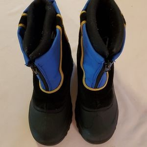 Itasca little boys boot size 2